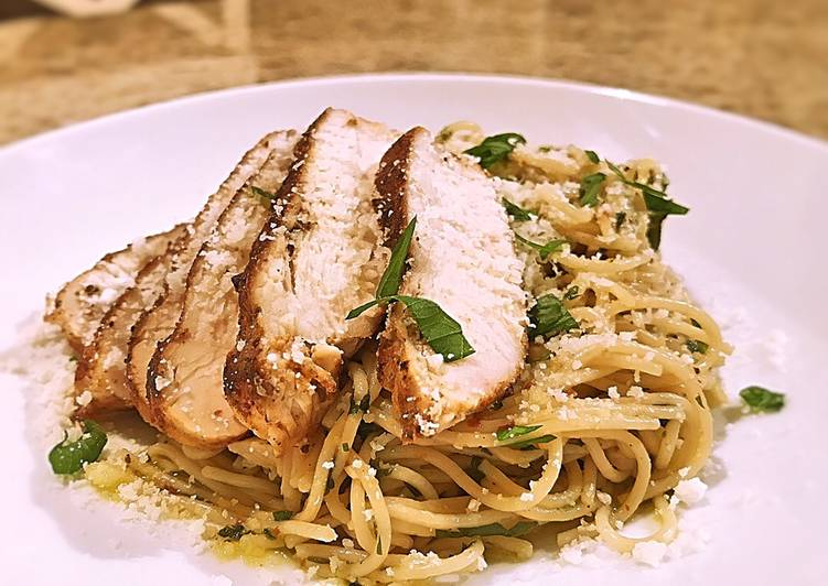 Recipe: Tasty Aglio e Olio with blackened chicken