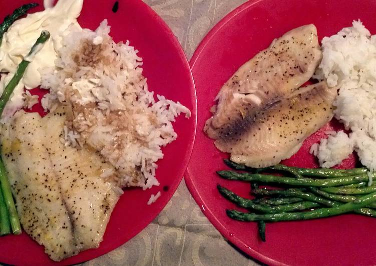 Recipe: Tasty Tilapia, Asparagus, White Rice