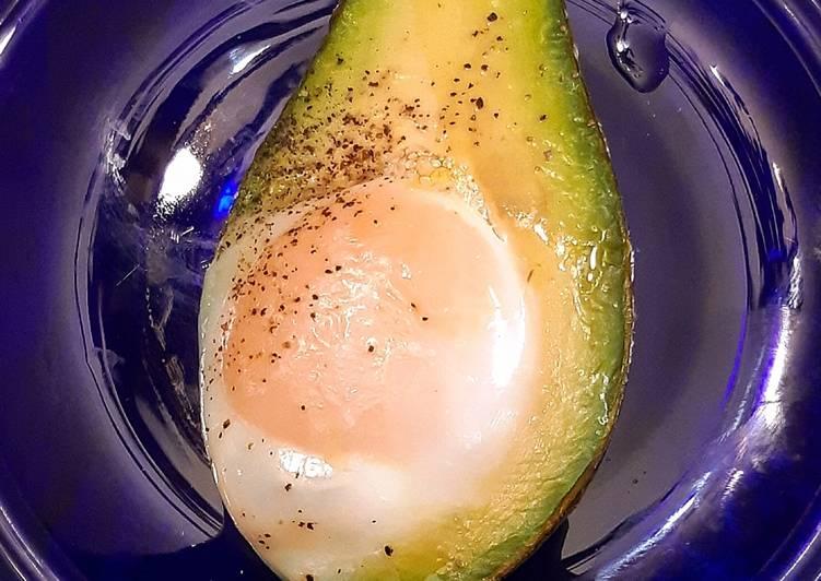 Ricetta Avocado con uovo al forno
