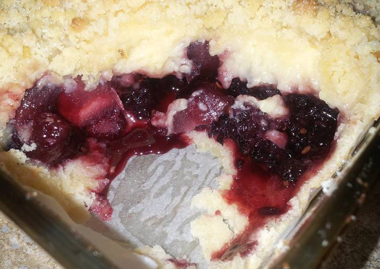 Recipe of Perfect Apple, Blackberry and Custard Crumble