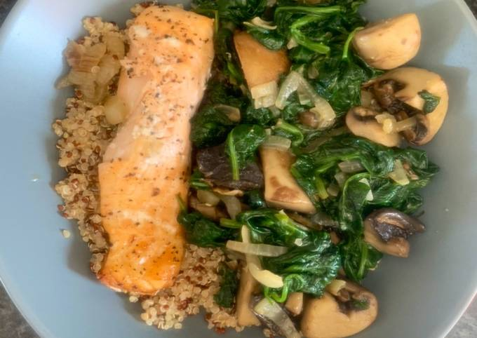 Baked Salmon with spinach and mushroom