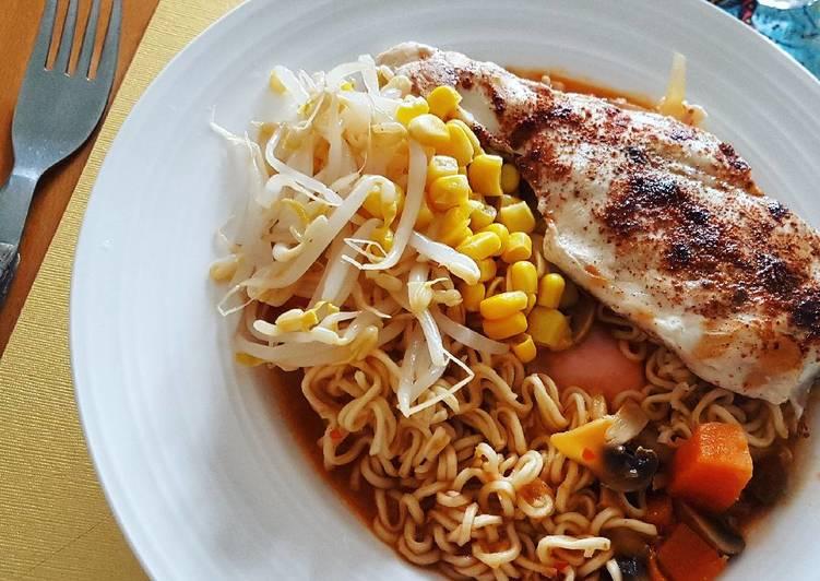 Noodle Ketchup Sambal Soup n' Grill Chicken Tandoori