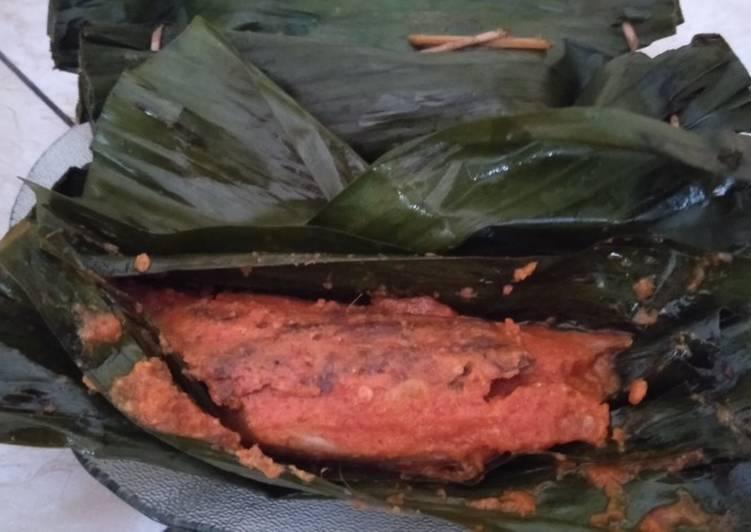 Pepes Ikan Tongkol Pedas