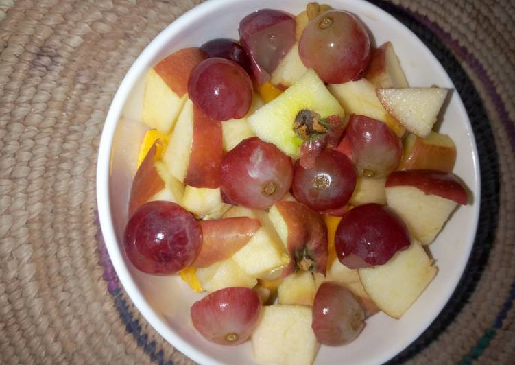 Dried fruit salad with honey and lemon juice dressing