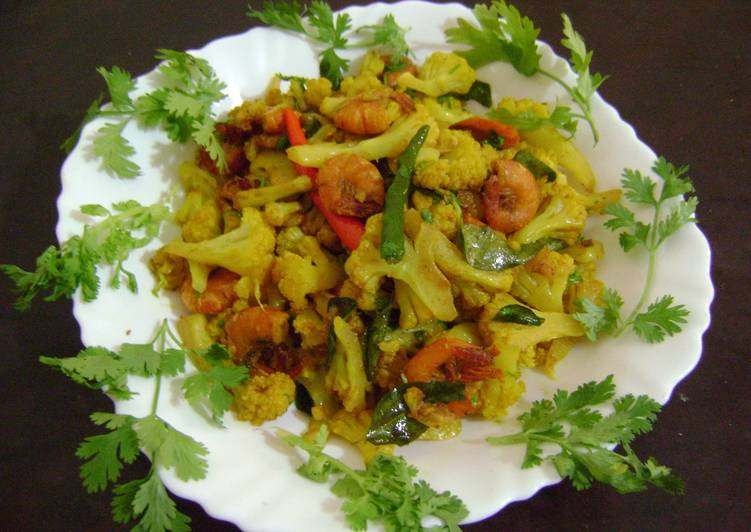 Cauliflower Stir Fry with Prawns