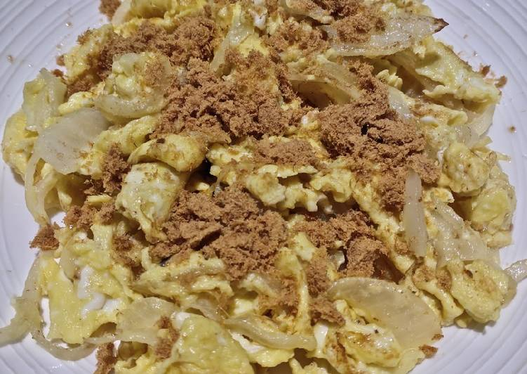 Scrambled Egg with Onion and Pork Floss