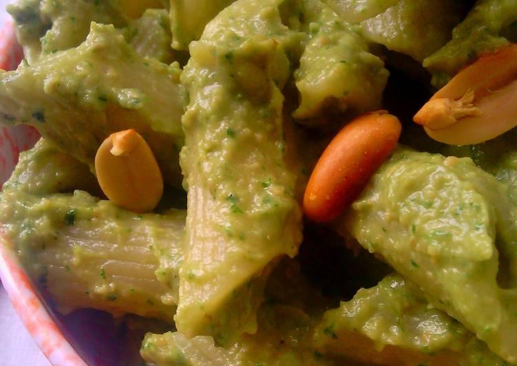 Penne Pasta With Avocado Pesto
