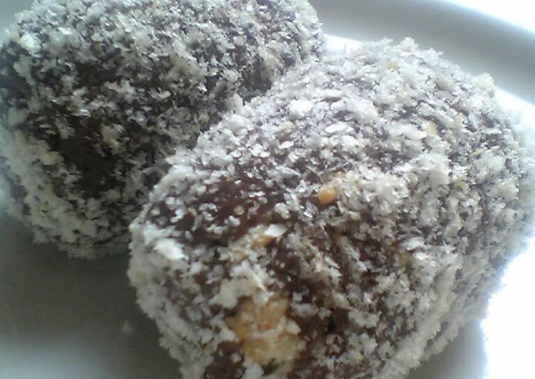What are some Dinner Easy Favorite Pirozhnoe Kartoshka (Russian Dessert)