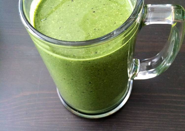 Raw Organic Super Green Smoothie