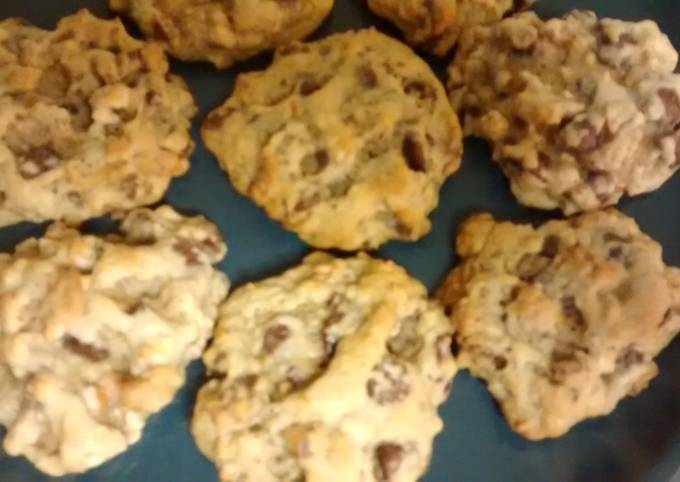 TL'S Pretzel chocolate chip cookies