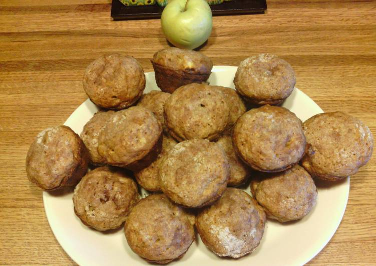 Recipe: Yummy Pumpkin Apple Streusel Muffins