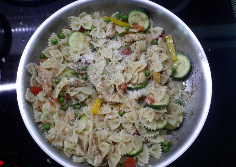 Recipe of Quick Italian Chicken Pasta Toss