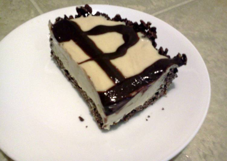 "Frozen ""Gimmie More"" (peanutbutter  chocolate cheesecake)"