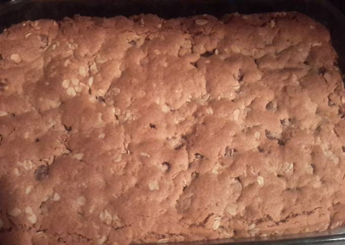 Recipe Crunchy Peanut Butter Oatmeal Bar Cookies