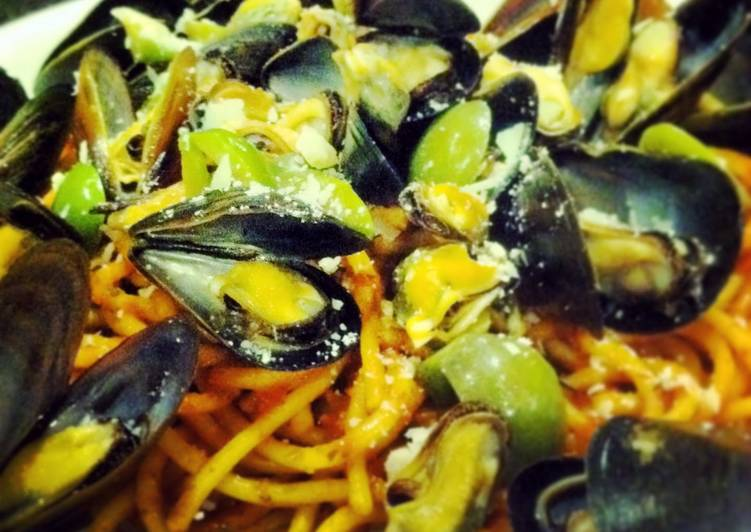 Italian style Mussels and Pasta
