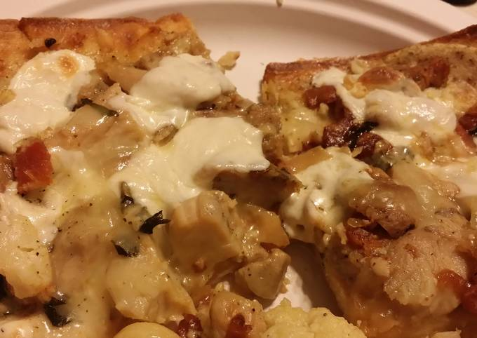 Grilled Chicken & Bacon with Garlic White Sauce