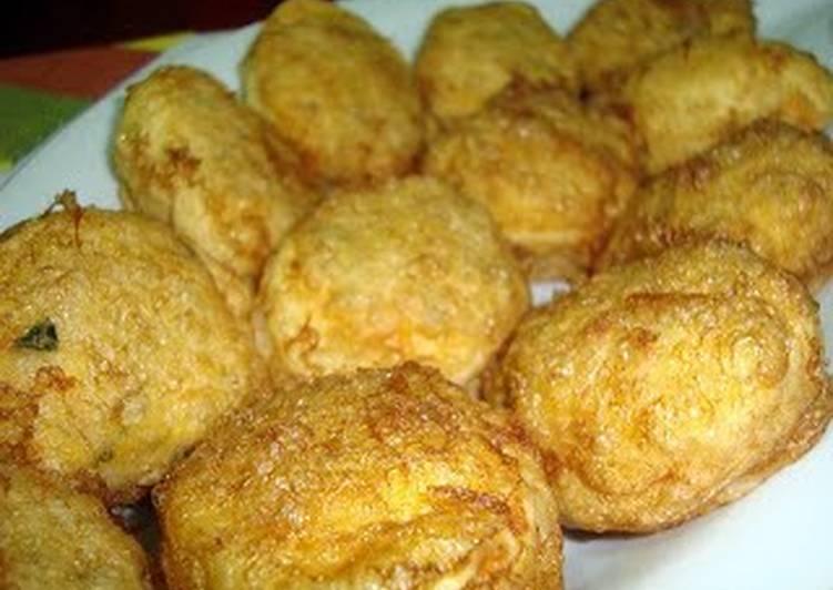 fry deviled eggs (portuguese ovos verdes )