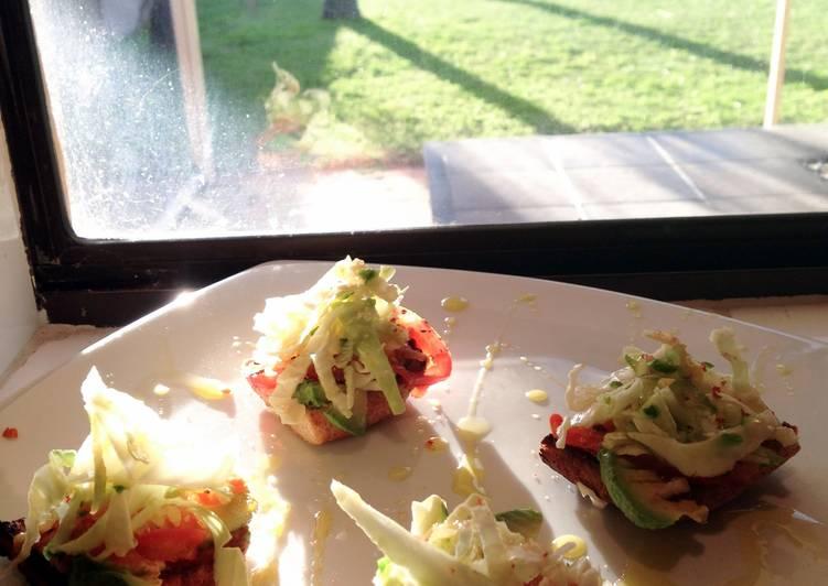 Easy Recipe: Delicious Vegetarian Mini Bruschetta