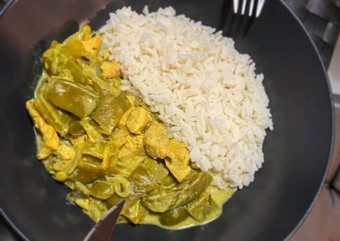 POULET, HARRICOT PLAT ET RIZ (spécialité Thai)