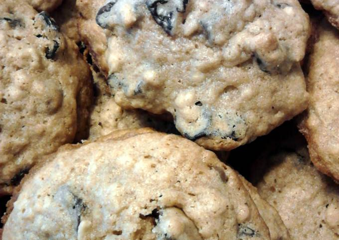 Recipe Really Good Cherry Chocolate Chip Oatmeal Cookies