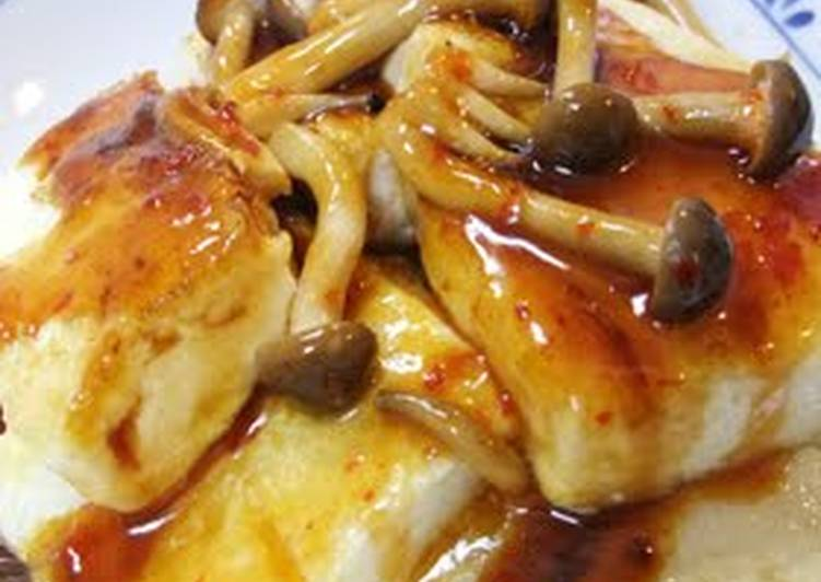 Eating 14 Superfoods Is A Superb Way To Go Green And Be Healthy Tofu Steak with Silky Spicy Shimeji Mushroom Sauce
