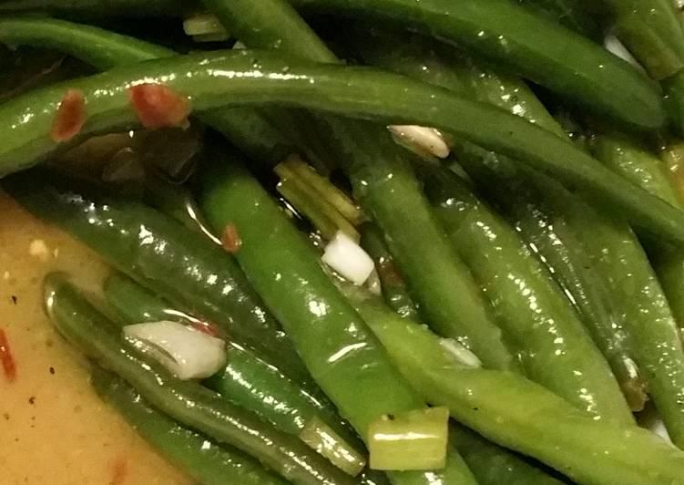 Spicy honey lemon green beans