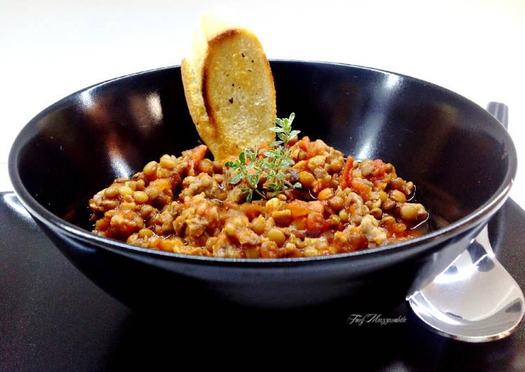 Ricetta Zuppa di lenticchie alla spoletina (con salsiccia sbriciolata)