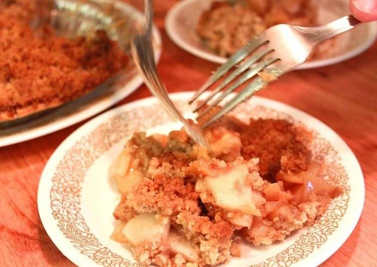 Exquisite Apple Crumble Pie