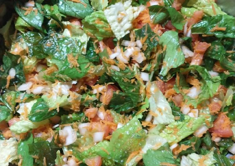 Steps to Prepare Award-winning Romaine lettuce Salad