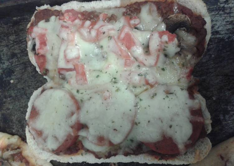 How to Make Tasty Pizza Subs