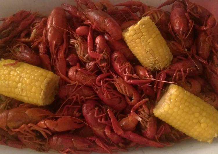 Easy spicy crawfish boil