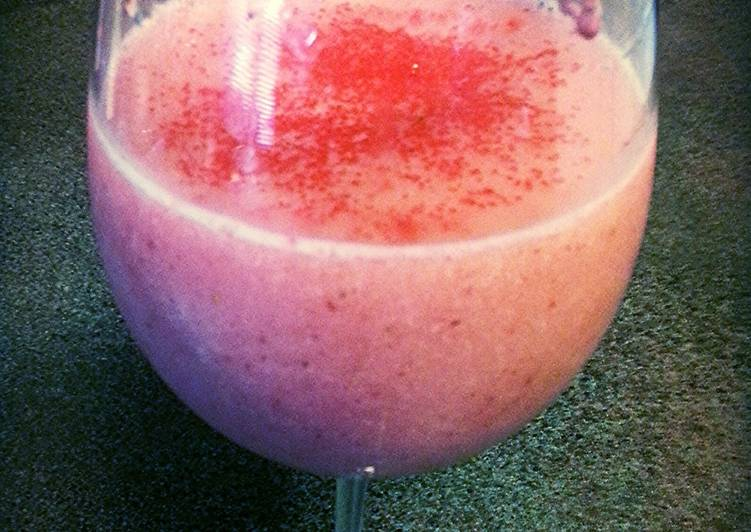 What are some Dinner Easy Summer Strawberry Banana Daquiri