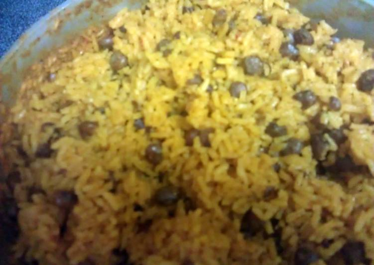 Arroz con gandules (Puerto Rican rice and peas) - Laurie G Edwards