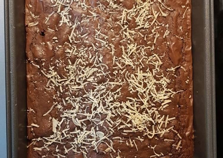 Brownis coklat panggang
