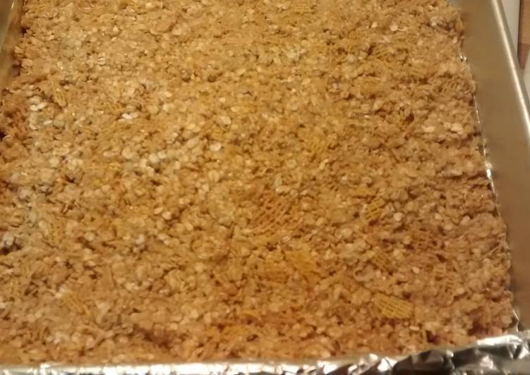 TL's No Bake After School Granola Bars