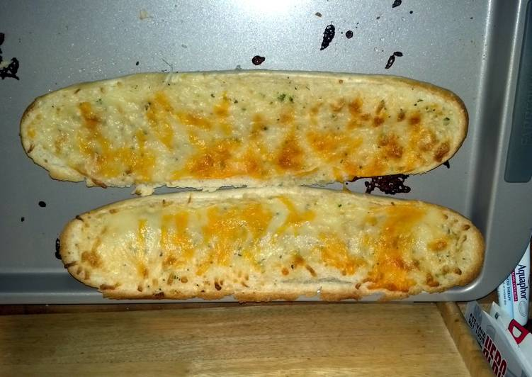 Q-tip's cheesy garlic bread
