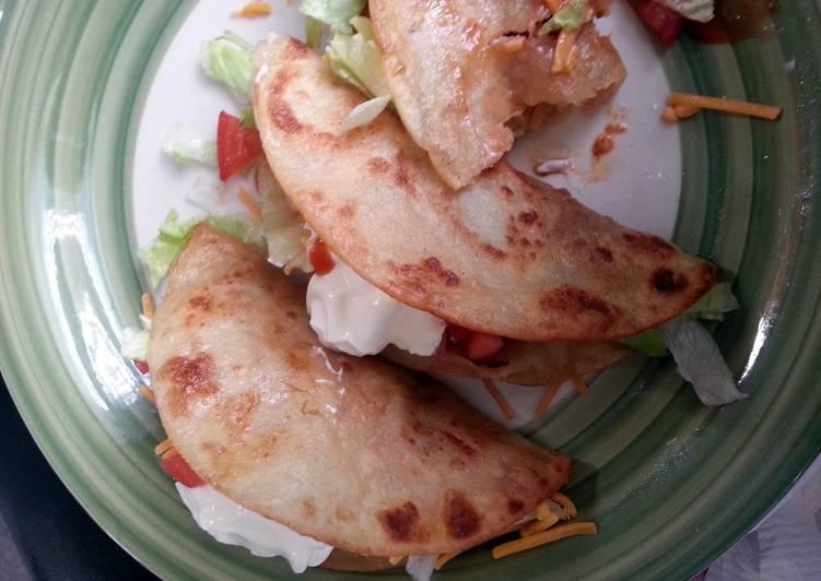 spicy shredded chicken tacos