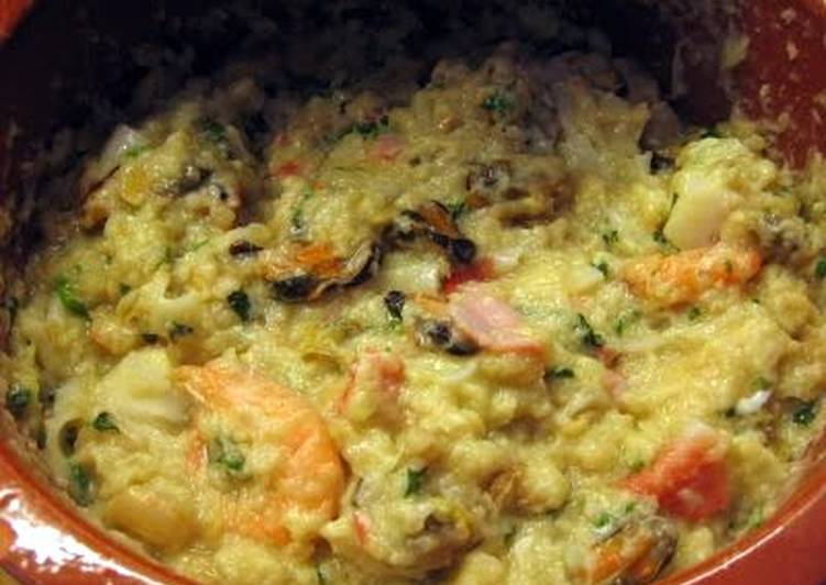Recipe: Tasty seafood and  bread mix (portuguese acorda de marisco)