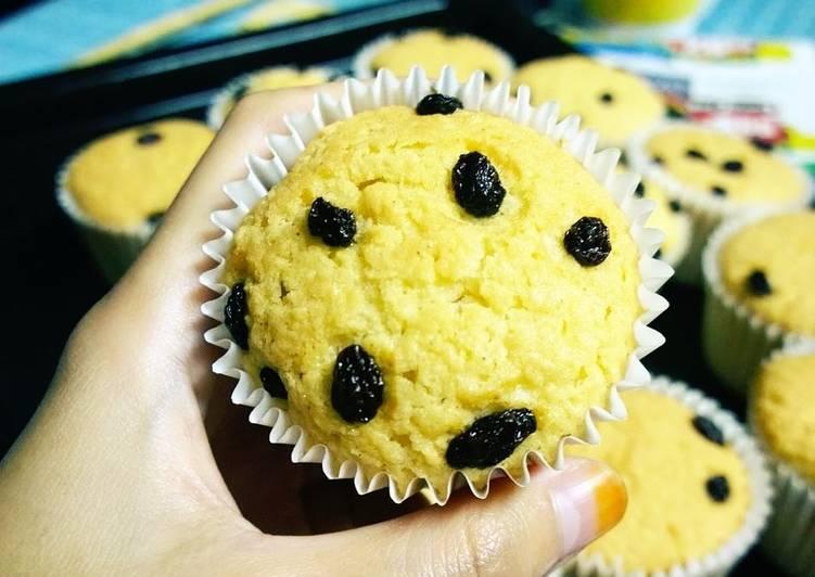 Mira's Coconut Muffin with Raisins
