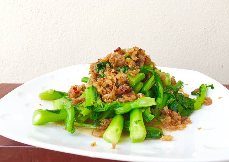 Easiest Way to Prepare Delicious Choy Sum Top Dried Shrimp /Hae Bee