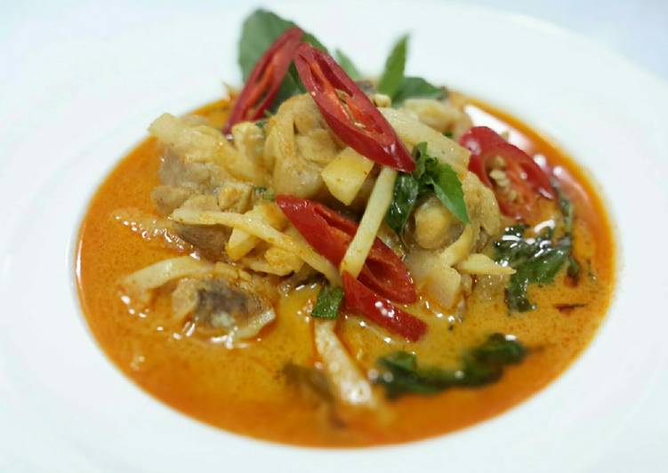 Easiest Way to Prepare Perfect Thai Chicken Red Curry