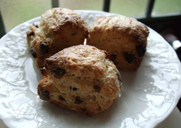 Banana Chocolate Scones