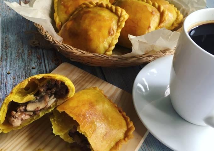 Jamaican Beef & Chicken Patties
