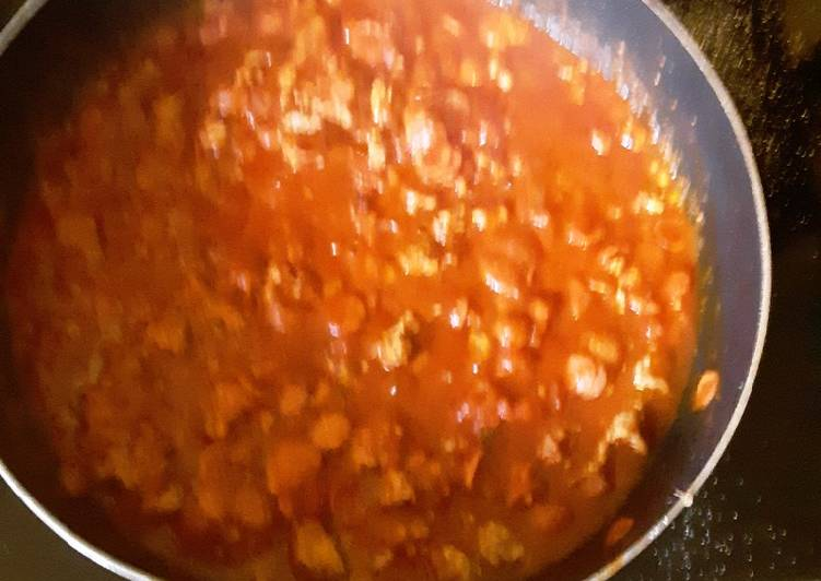 Simple Way to Make Super Quick Homemade Beefy Garlic Tomato Sauce