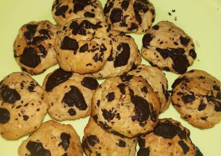 Cookies cokelat (kriuk di luar, lembut di dalam 😁)