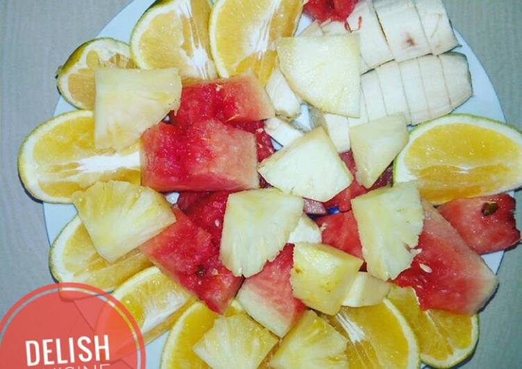 Going Green for Better Health By Eating Superfoods Fruit salad
