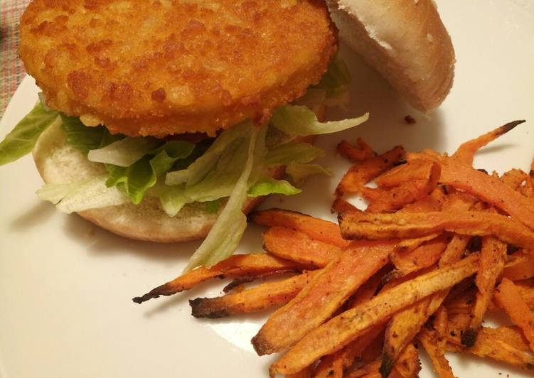 Chicken burger with Cajun spiced sweet potato chips