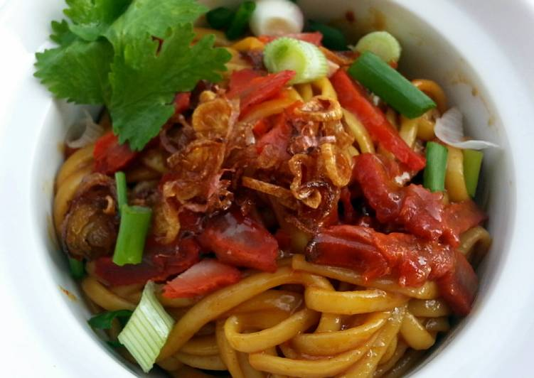 Spicy Dry Noodle Street Food