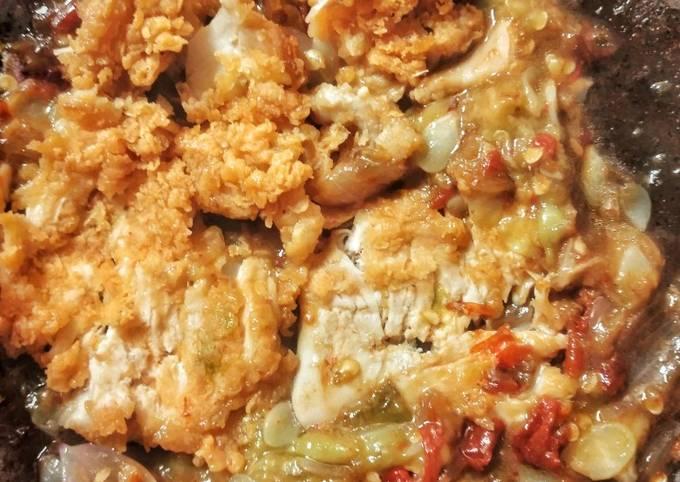Langkah Mudah untuk Menyiapkan Sambel Oyong / Gambas (dan Ayam Krispi Bejek), Lezat