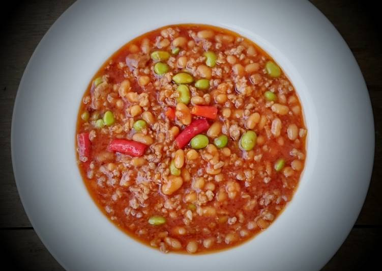 Dining 14 Superfoods Is A Great Way To Go Green For Better Health Spicy Chili Red Bean With Edamame Bean
